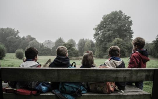 Sovittelu ja anteeksipyytäminen alakoulun luokkayhteisössä